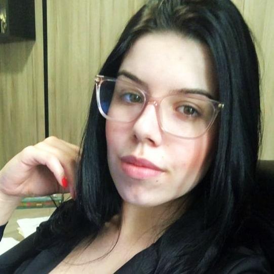 Lara Gonçalves-advogada